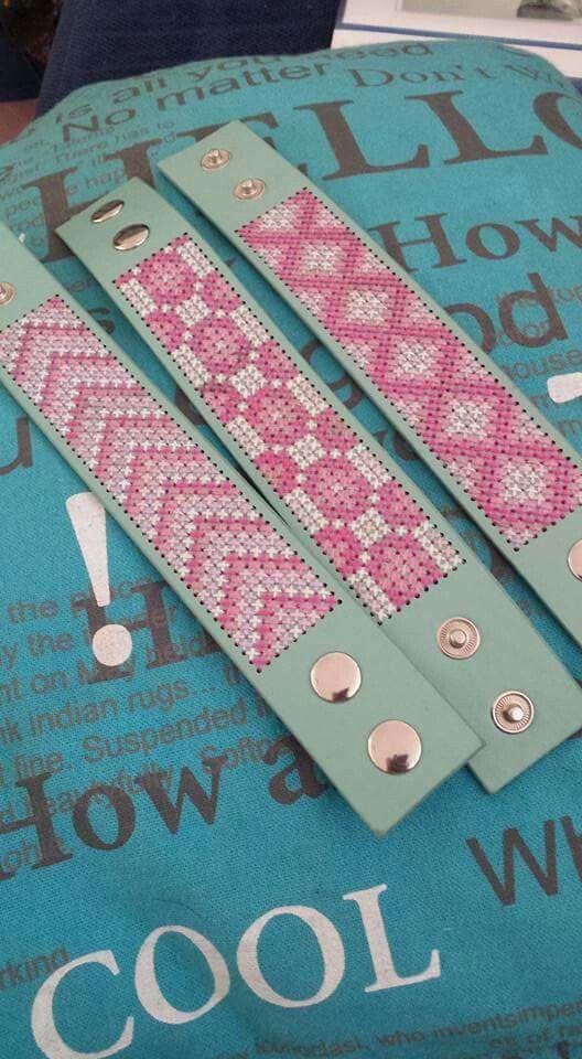 Mooie geborduurde armbanden