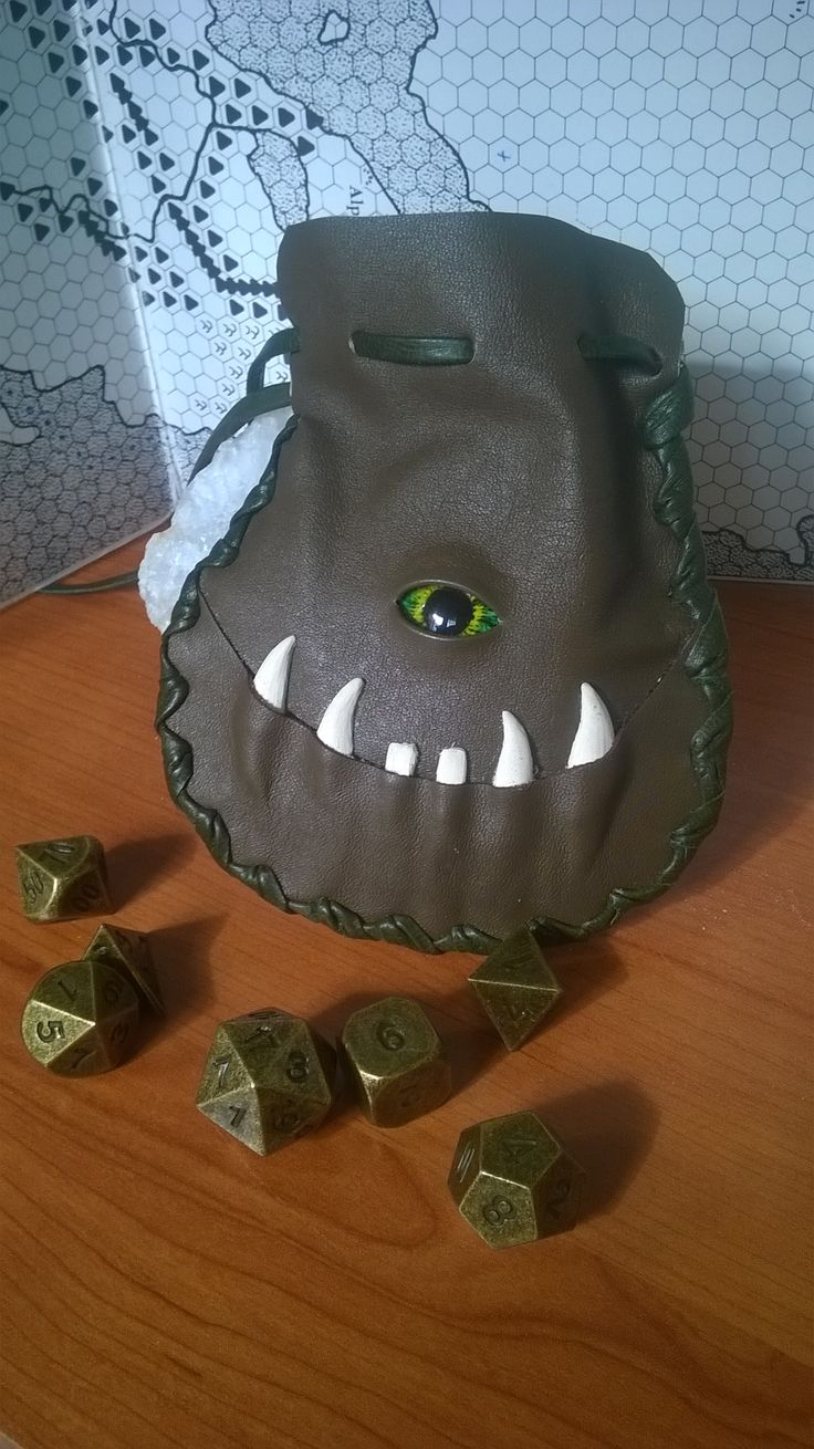 Dice bag in brown leather