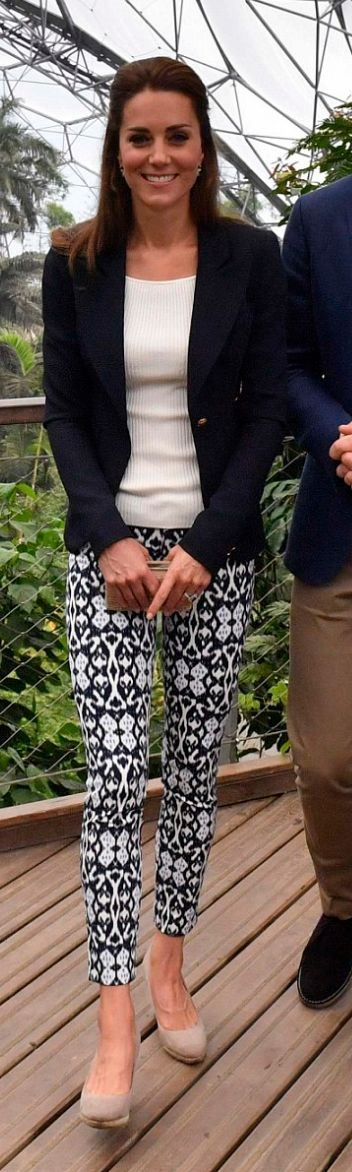 Who made  Kate Middleton's blue jacket, white print pants, tan clutch handbag, and wedge pumps?
