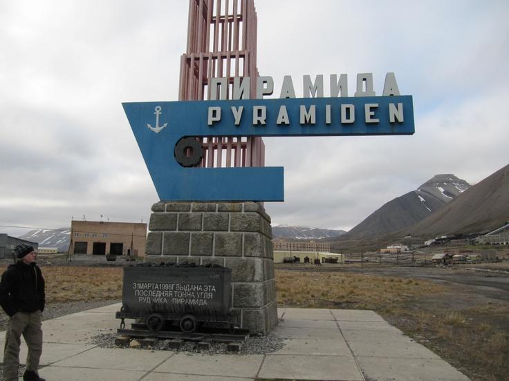 Svaldbard - Pyramiden - Russian settlement