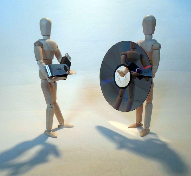 #backup #cd #computer science #data #data backup #disk #dvd #fig #holzfigur #media #privacy policy #storage medium #usb