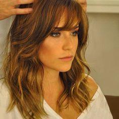 cortes de cabelo médios para rosto redondo - Pesquisa Google
