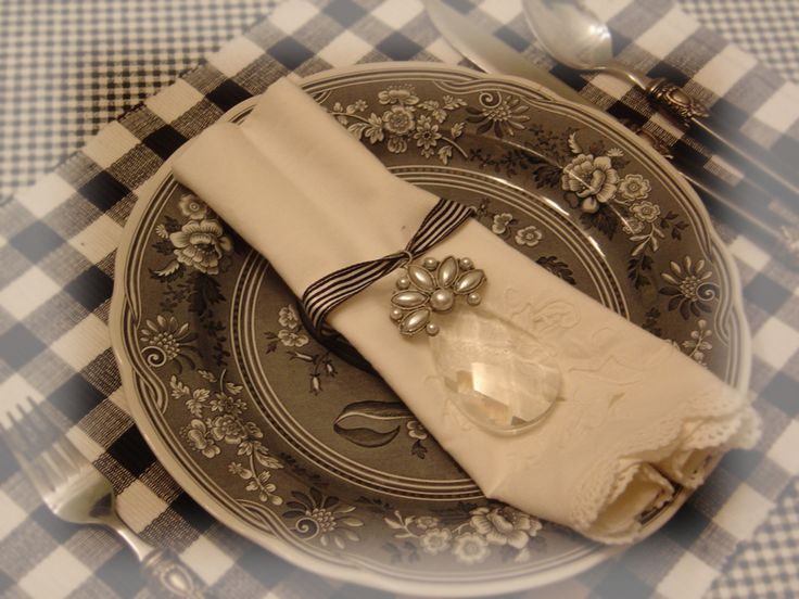 beautiful place setting · Holiday TablesThanksgiving TableNapkin ... & 406 best Placecards Placesettings \u0026 Napkin Folds images on ...