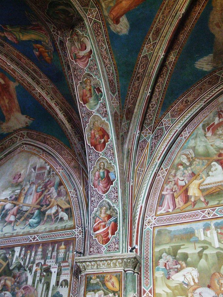 Volterra san francesco  - Cenni di Francesco di ser Cenni - Arcata di separazione tra le due campate della Cappella con busti di santi