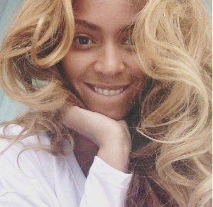 Beyonce no Makeup pics  VIsit  www.celebgalaxy.com  Celeb Galaxy Features Latest Celebrity News,Celebrity Photos,Celebrity Gossip,Celebrity fashion photos,Celebrity Party Pics,Celeb Families of your Favorite Super stars!