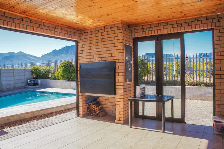 Braai room with views of the mountains.