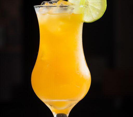 Nem adianta fazer aquela cara feita quando ouvir o nome. Uma boa pinguinha é uma delícia. Veja como preparar bebidas deliciosas para tomar brindar com estilo.