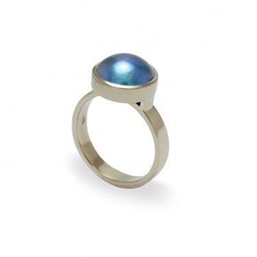 Paua pearl ring hand crafted by Benjamin Black Goldsmiths, Nelson, NZ.