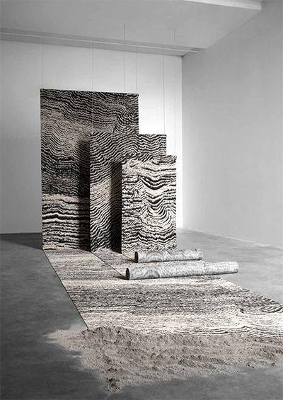 Ege s'associe au designer Tom Dixon pour la collection de moquettes Industrial Landscape, inspirée par la capital britannique, ses formes et ses matériaux : des chemins de fer aux tunnels d'usines, des ateliers aux entrepôts, des briques aux eau...