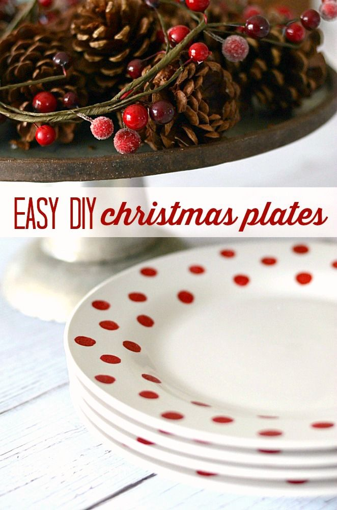 Easy DIY Christmas Plates | simplykierste.com - Super easy and adorable Christmas plates...for only $1 each!! | simplykierste.com