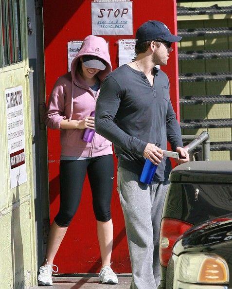 Scarlett Johansson Photos - Ryan Reynolds And Scarlett Johansson Leaving The Gym - Zimbio