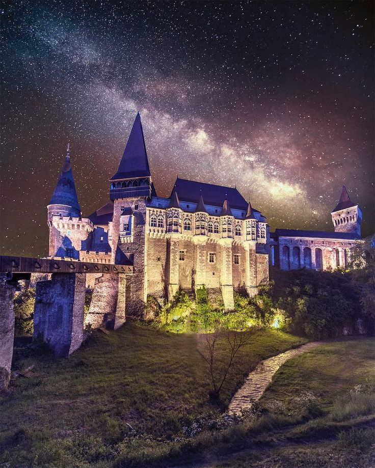 Castelul Corvin -  Romania