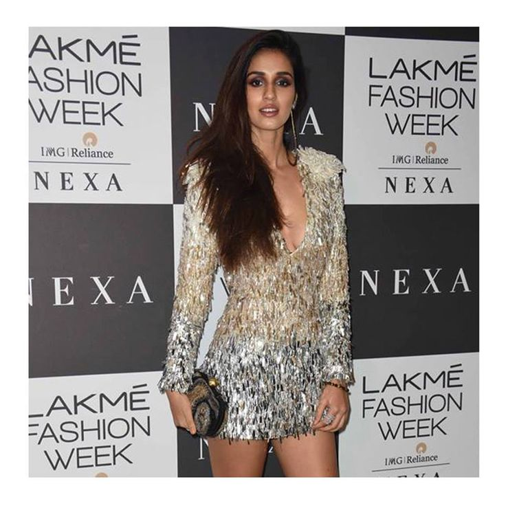 Disha Patani accessorizes with a clutch from our I R I S Collection at the closing show by Manish Malhotra, Lakme Fashion Week Winter/Festive 2017! Coming soon on www.lovetobag.com . . . . . . . . . . . #Celeb #DishaPatani #Celebspotting #LFW #LakmeFashionWeek #handbag #clutch #essentials #Gold #Accessory #happy #Pearl #Tassels #Love #HandEmbroidered #BucketPouch #Embroidery #Pouches #Trend #Lovetobag #Clutches #bags #LaptopSleeves #Backpacks #sequins #bag #fashion #NewCollection