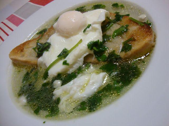 As Minhas Receitas: Sopa de Pão, Alho e Coentros com Ovo Escalfado                                                                                                                                                                                 Mais
