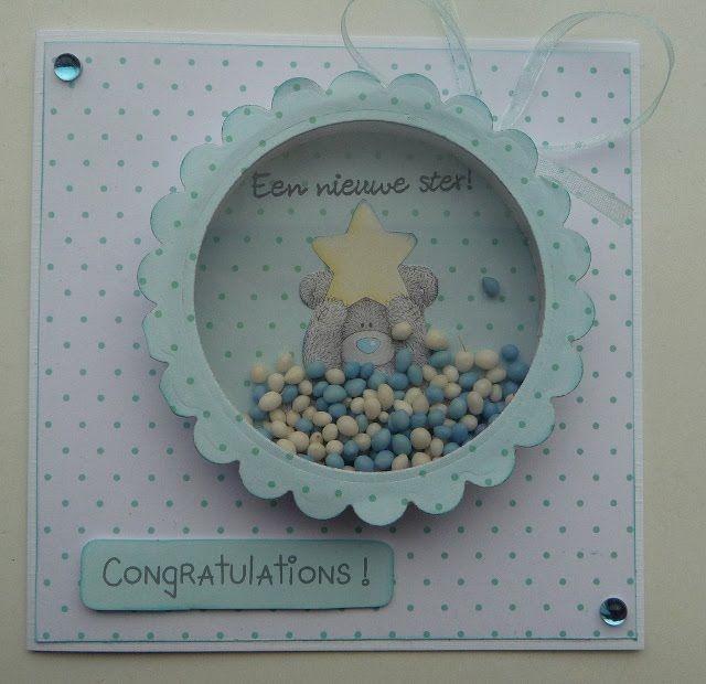 Ik maak regelmatig babyschudkaarten als geboortekaartje, ze zijn zo leuk. Ik heb er een tutorial van gemaakt. Benodigdheden: -een dubbele k...