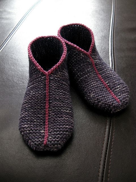 Simple Garter Stitch Slippers by terhimon, free pattern