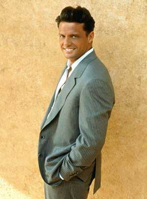 Luis Miguel.. One of many beautiful things Mexico has to offer year round ;)