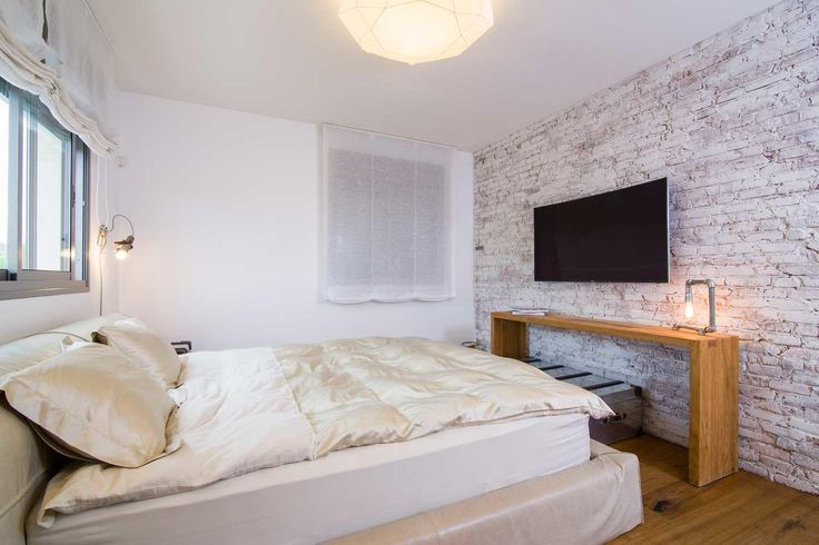 #brick #brickwall #bedroom #bedroomdesign  לבנים מדגם Black Chocolate וחיפוי קיר בר פינת אוכל בבטון אדריכלי מדגם Compass בתל ברוך צפון.