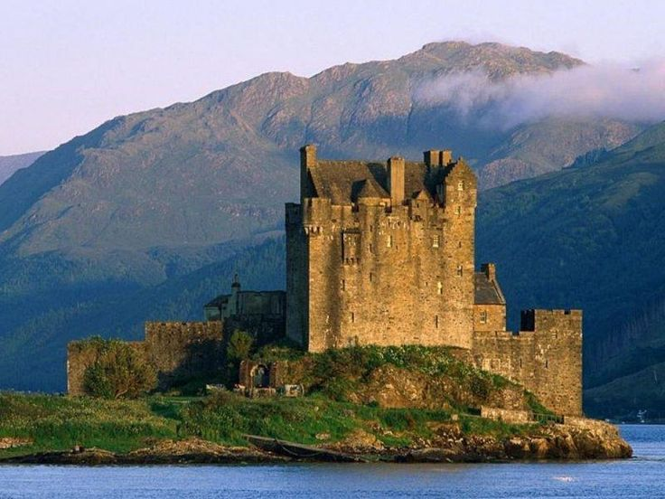 Castles in Ireland :): Scottish Highlanders, Buckets Lists, Eilean Donan Castles, Irish Castles, Scotland Castles, Eileandonan, Families, Castles Scotland, Scottish Castles