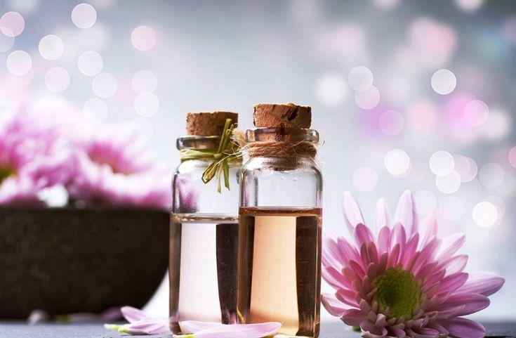 Hoy toca otro artículo de nuestra colaboradora María, experta en aromaterapia y autora del blog Aroma-terapia. Hoy nos cuenta otro de los múltiples usos de los aceites esenciales: como ambientador natural y purificador del aire. Os animo a que la sigáis también en su perfil de Facebook donde publica
