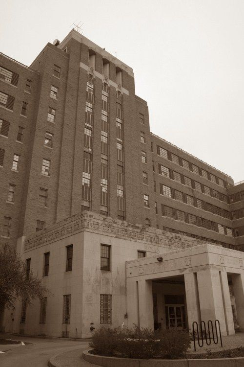 The terrifying haunted Fitzsimons hospital in Colorado. Home to shadow men and mysterious energies.