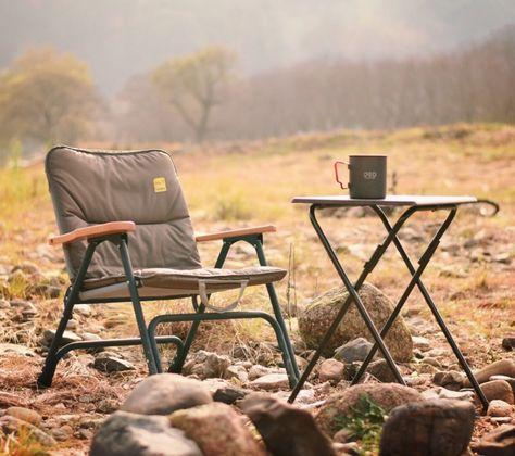 好きな場所でリラックス。 片手で運べるソファ。  軽量でコンパクトにたたむことのできる1人掛けソファ。  DOPPELGANGER OUTDOOR (ドッペルギャンガーアウトドア) 略してDOD。  #キャンプ #アウトドア #テント #タープ #チェア #テーブル #ランタン #寝袋 #グランピング #DIY #BBQ #DOD #ドッペルギャンガー #camp #outdoor