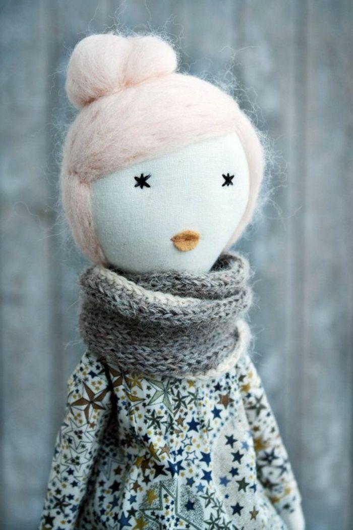 poupée de chiffon, une dame avec foulard tricoté                                                                                                                                                      Plus