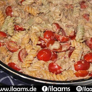 tagliatelle pasta lachs schmand tomaten sauce sahne