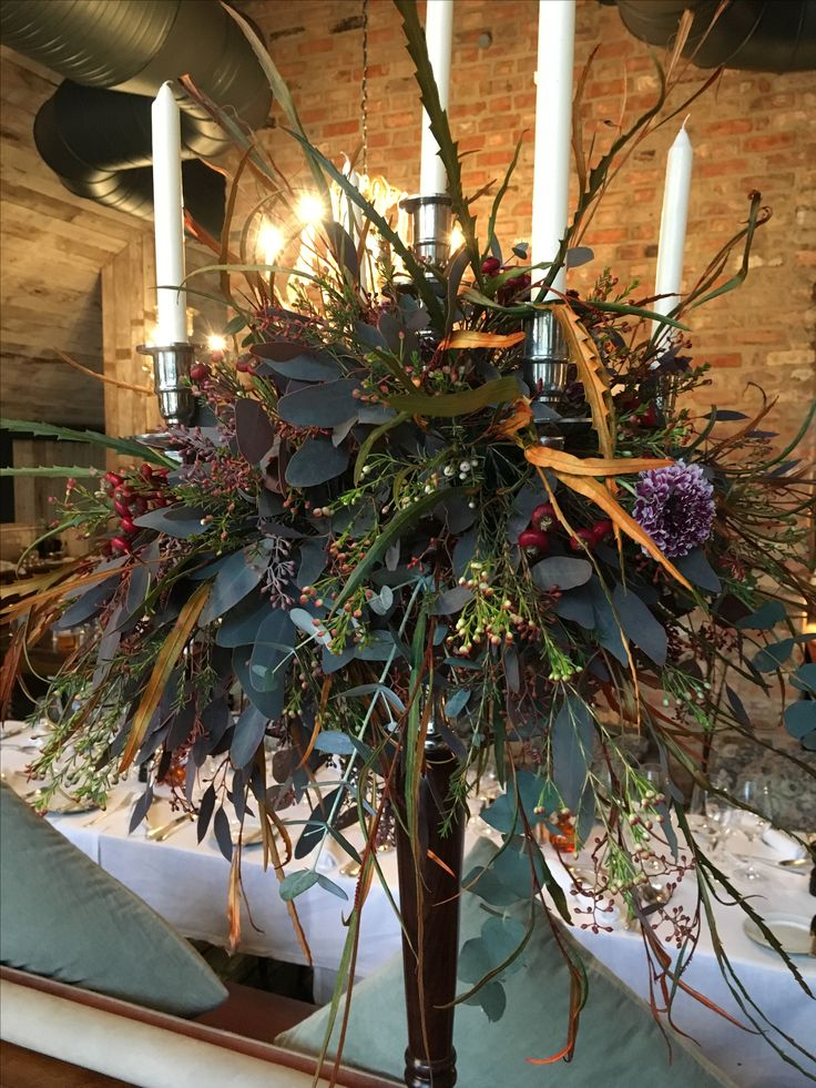 In Fancy Farm we created this Textural Autumn Candelabra scrumptiousness, we just love Autumn for all the fascinating varieties that are available.