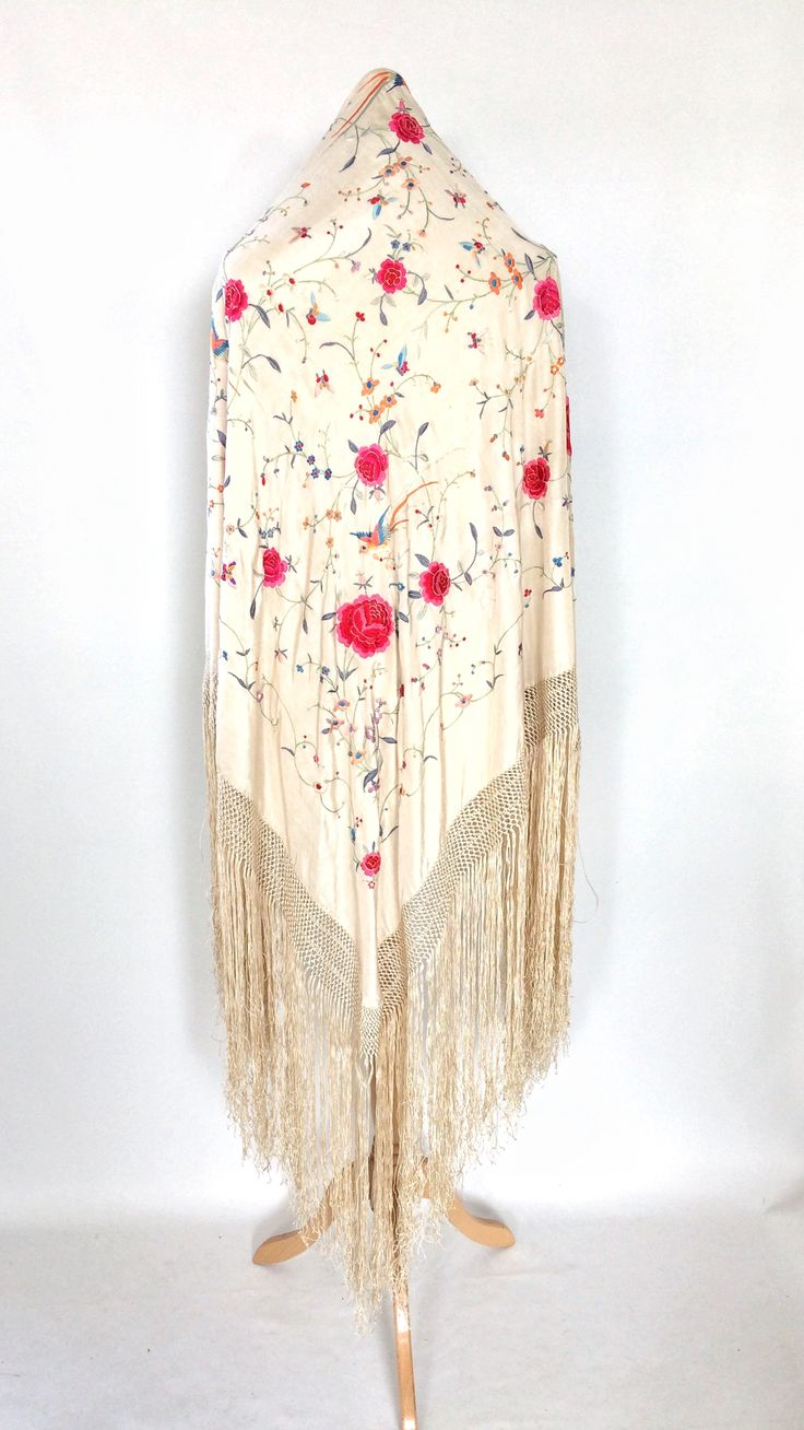 Beautiful vintage/antique 1920's piano shawl with embroidered birds and flowers. Perfect for a vintage/bohemian bride