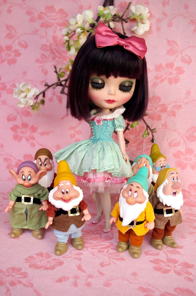 """https://flic.kr/p/bt9rZx   For Chrissy ≈ Snow White ≈   And now, the second set I made like a delicacy for Chrissy, largely inspired by """"Snow White"""" after she ask me """"something in pink and turquoise""""...  This set is composed of - a large pettitcoat with eight layers of tulle fabric, in a mix of baby pink, salmon and ivory, held on edge by silk ribbon embroidered flowers garland - a dress in cotton voile fabric in shade of turquoise, the wintergreen skirt is cut in a swiss..."""