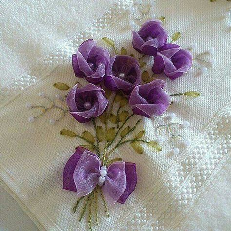 Bordados con cintas flores pon pon en alto relieve – Aprende Con Diana