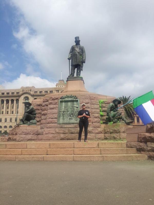 WATCH: Race tensions rise at Paul Kruger statue   eNCA