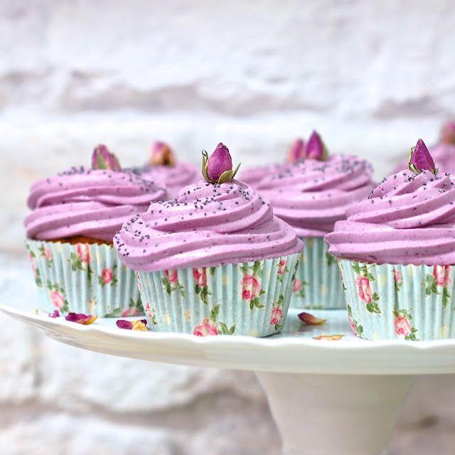 Laskominy od Maryny: Makové cupcakes s rybízovým krémem