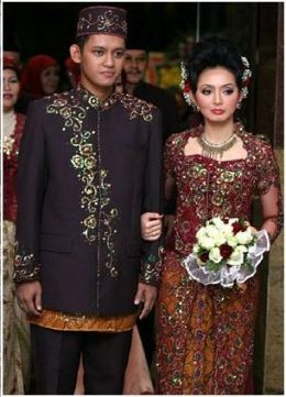 WEDDING: Indonesian Wedding Dresses.Java Dress