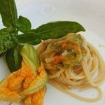 Spaghetti con fiori di zucchina