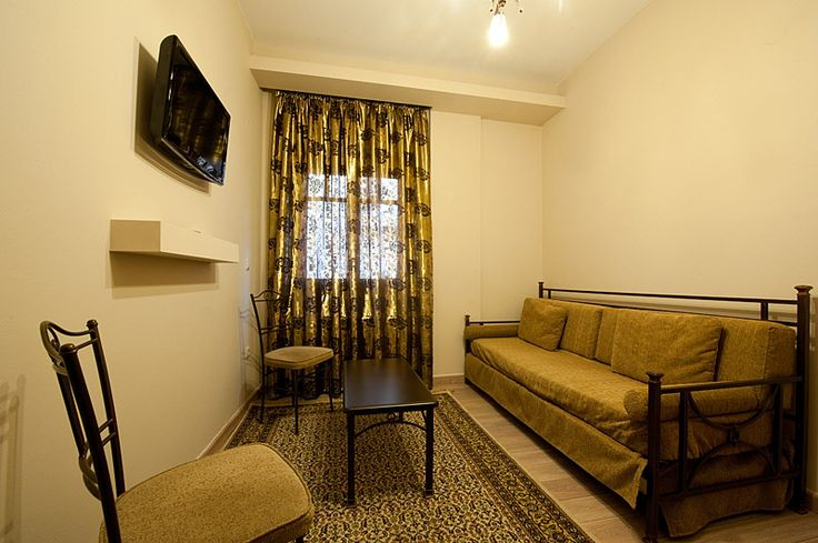 Why don't you take your family and come to enjoy our Pension! One of our Family Rooms!