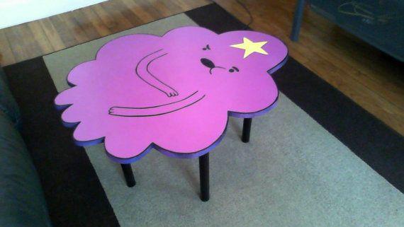 Table de salon Adventure Time de la plus cool des princesses sur lÎle de Ooo : La Princesse Lumpy Space !    Cette table est fabriqué en France par deux
