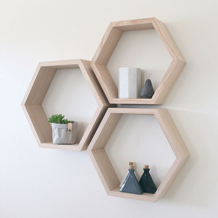 Oak, such a versatile timber 😍 Shadow boxes available to buy now on our Etsy Store. 12 Funky colours to choose from! Get yours today 👆 #treedesignaus #scandi #interior #interiorstyling #interiordesign #raw #affordable
