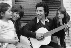 Víctor Jara's family.  (From Left) Amanda Jara Turner, Joan Jara, Víctor Jara, and Manuela Bunster.