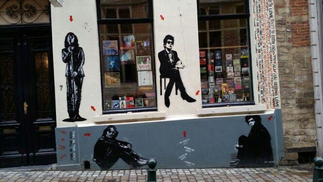 """Devanture d'Arlequin, """"music d'occasion"""", rue du Chêne, Bruxelles"""