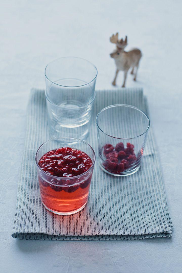 Champagne, elderflower Cordial, vodka, soda water and raspberries