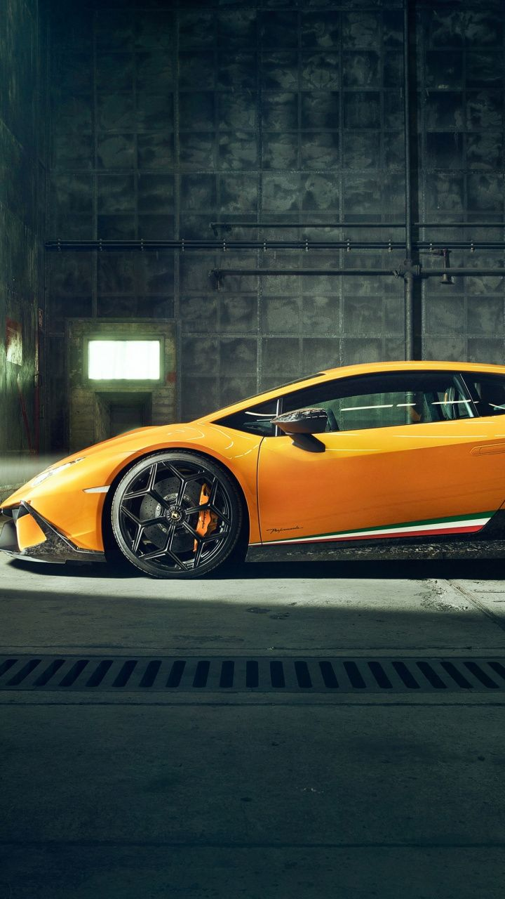 Lamborghini Huracan Performante Side View 720x1280 Wallpaper