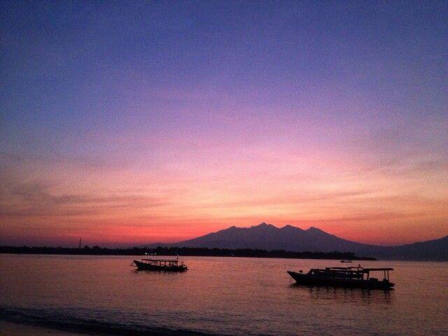 Sunrise in front of Diversia bungalows Gili Trawangan