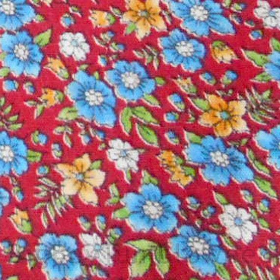 VINTAGE 5y Red fabric with Yellow Blue & White flowers calico #VINTAGE 5y #Red #fabric with #Yellow #Blue & #White #flowers #calico #fabric #sewing #quilt woven pillow home #decor #retro #sewing #craft #supplies #etsy #studio
