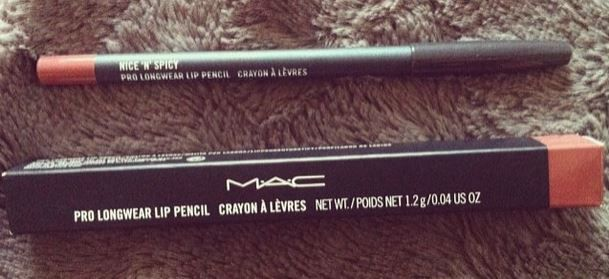 MAC Pro Longwear Lip Pencil-huultenrajauskynä Sävy Nice 'n' Spicy