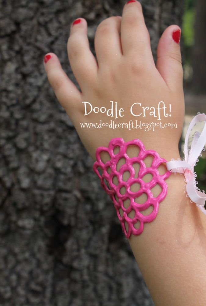 puff paint diy bracelet - easy craft for kids!