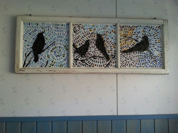 Mosaic birds, I did it from gassmosaics. Birds and old windows, I  like them. Hope you like it too ? A cute idea for comping Mosaics with a vintage Window.😊