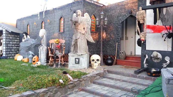 Would love my yard to look like this. Halloween yard display 2013 first walkthrough