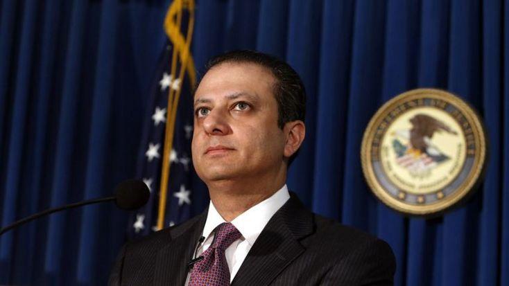 Ο εισαγγελέας του Μανχάταν αρνήθηκε να παραιτηθεί και... απολύθηκε